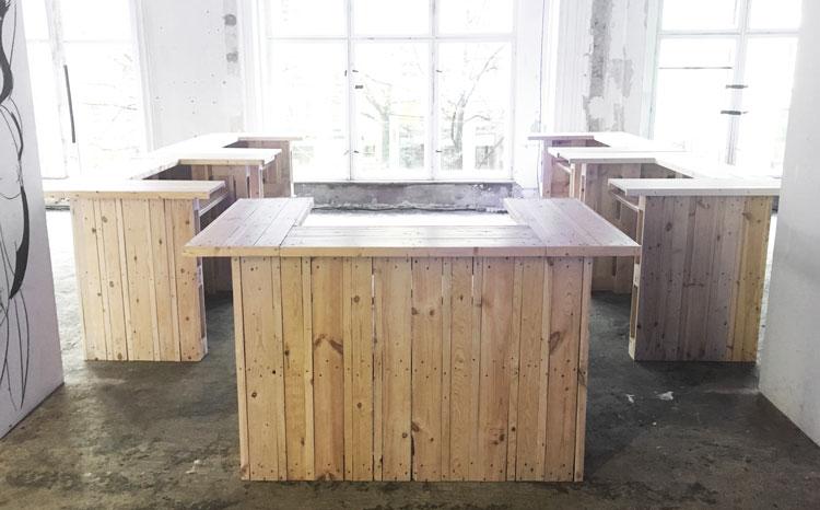 sitzmoment palettenm bel mieten eventmodule bar tresen. Black Bedroom Furniture Sets. Home Design Ideas